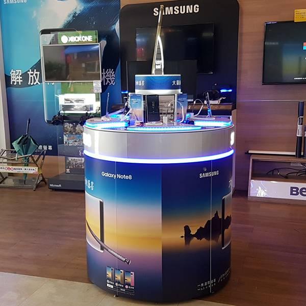 三星Samsung圓柱發光大型陳列架